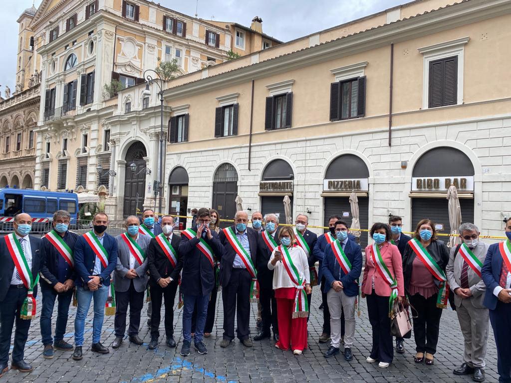 Saracena a Roma per la manifestazione sulla sanità con i sindaci del cosentino